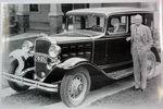 Chevrolet Parts -  1932 CHEV 4DR SEDAN W/OLD COUPLE B&W PHOTO